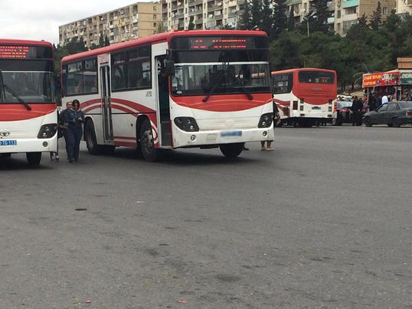 Avtobus sürücülərini niyə cərimələmirlər? - Qərar var, amma icra olunmur - FOTO