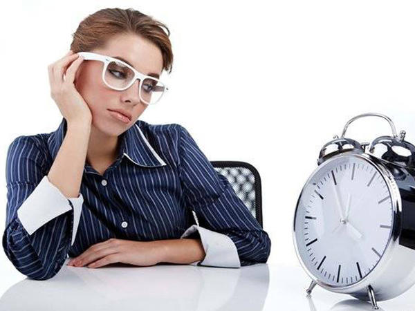 """Saatlar irəli çəkilib? - <span class=""""color_red"""">Diqqətli olun</span>"""