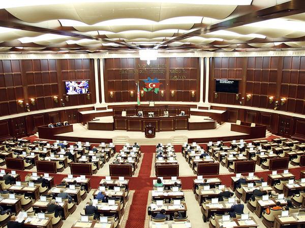 Ombudsman parlamentdə hesabat verəcək