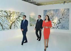 Heydər Əliyev Fondunun vitse-prezidenti Leyla Əliyeva Bakıda Latviya rəssamlarının sərgi ilə tanış olub - FOTO