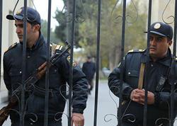 Yaralıların olduğu xəstəxananı polislər qoruyur - FOTO