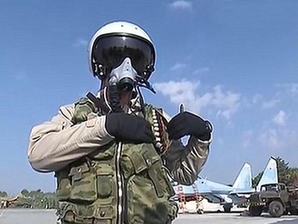 Rusiya pilotlarını da silahlandırdı - FOTO