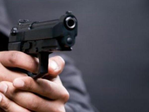 Kafeyə silahlı hücum: 5 yaralı
