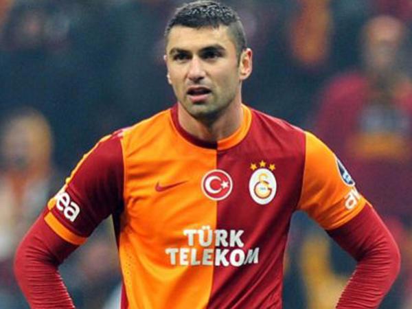 """Futbolçu ağladı: """"Həyatımın ən acı tortudur"""""""