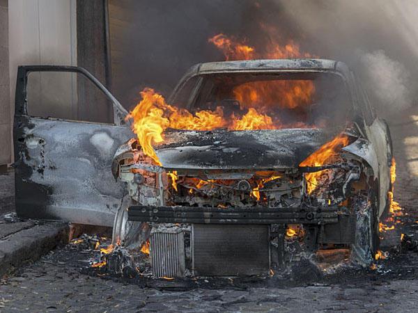 Suriyada bazarda partlayış: 15 nəfər öldü