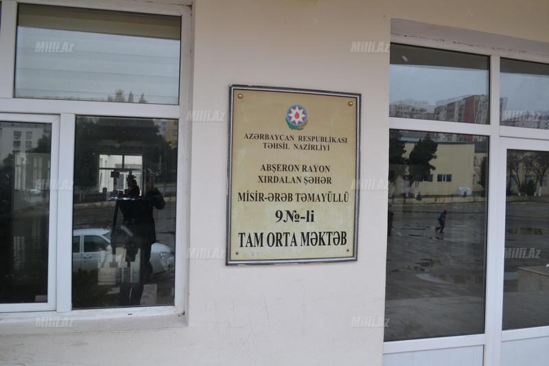 Şagirdi döyən müəllimə prokurorluğa aparıldı - FOTO