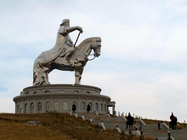 Çingiz xanın məzarı tapıldı