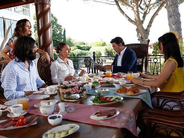 Ən məşhur üç türk serialı bu evlərdə çəkilir - FOTO