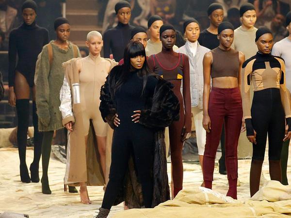 Kanye Uest yeni kolleksiyasını göstərdi - FOTO