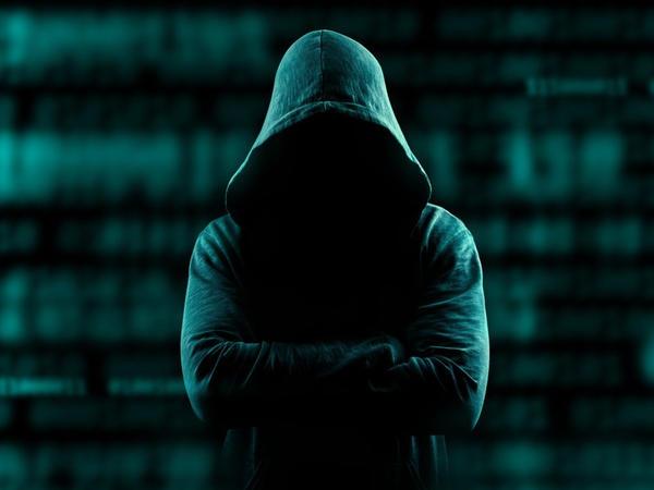 İri şirkətlər güclü haker hücumuna məruz qalıb