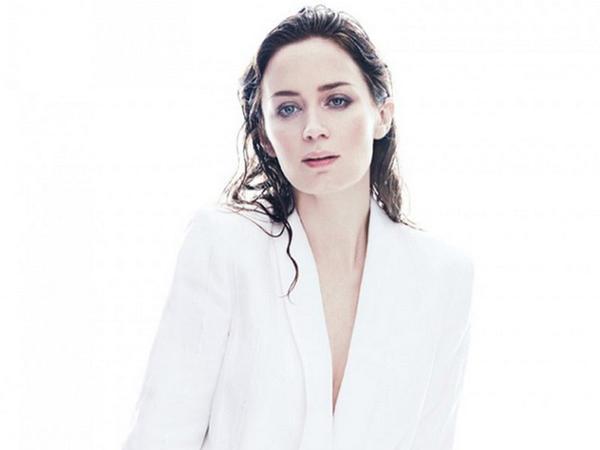 Aktrisa reklama çəkildi - FOTO
