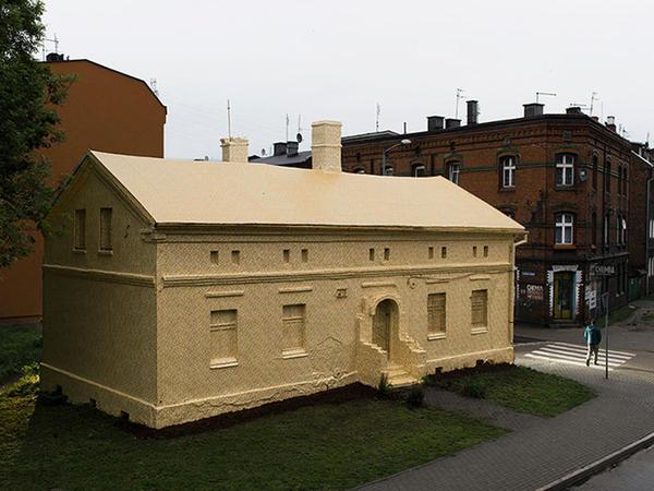 Tarixi bina qızıla büründü - FOTO