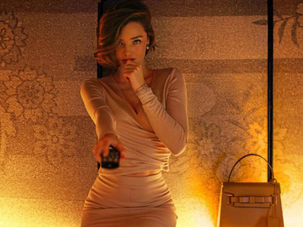 Miranda Kerr kamera qarşısında - FOTO