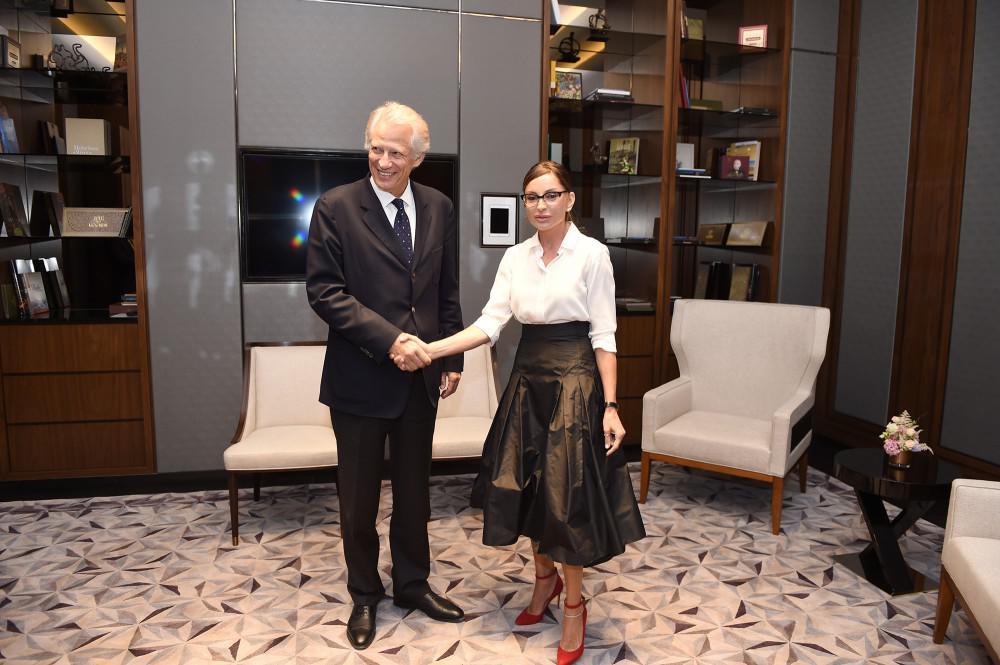 Mehriban Əliyeva Fransanın sabiq Baş naziri Dominik de Villepin ilə görüşüb - FOTO
