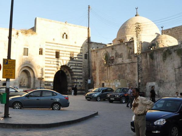 Suriyada ilk dəfə cümə namazı qılınmadı