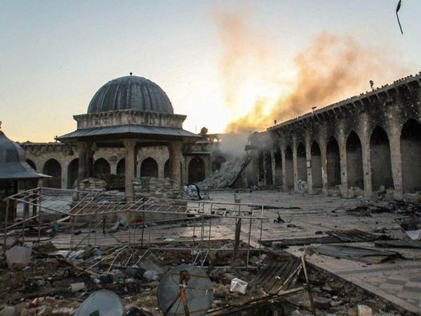 Terrorçular məscidi atəşə tutdular, 15 nəfər öldü