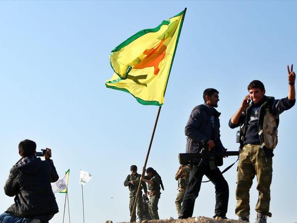 Türkiyə YPG-nin mövqelərini vurur
