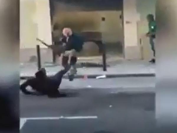 Portuqaliyada türk dönərçi 50 nəfəri diz çökdürdü - VİDEO