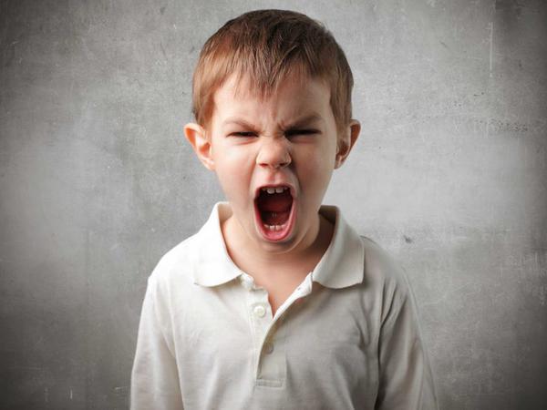 """Uşaqları aqressivləşdirən qidalar - <span class=""""color_red"""">SİYAHI</span>"""