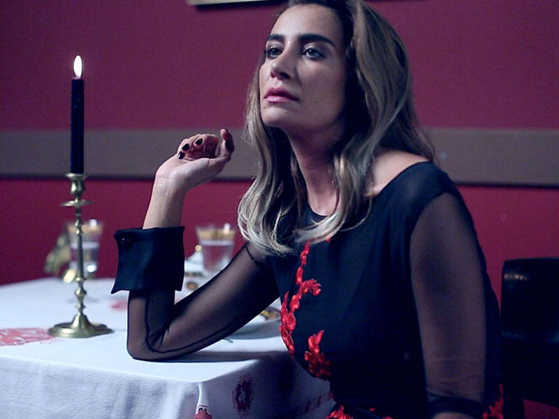 "İDDİA: ""Türk pop ulduzu Sıla oğru çıxdı"""