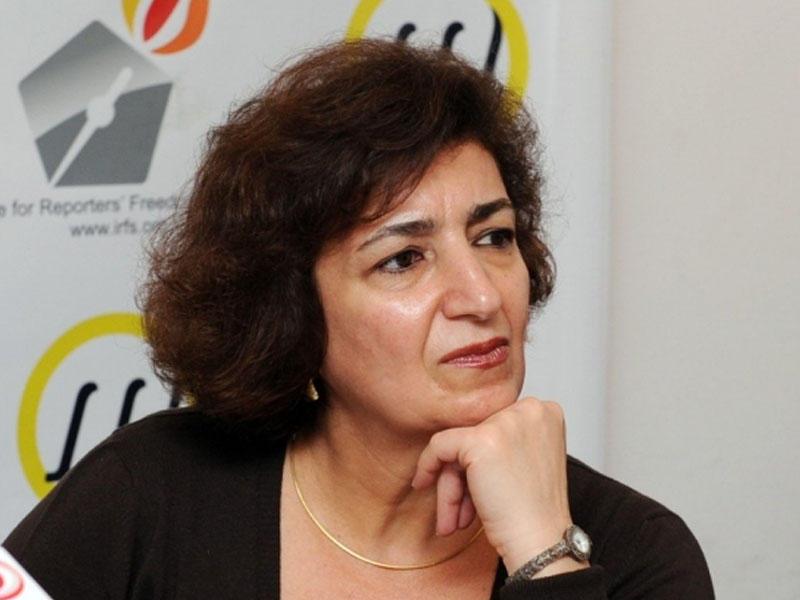 Yazıçı, publisist Mehriban Vəzir ile ilgili görsel sonucu