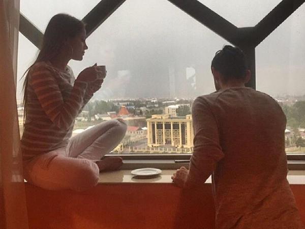 Elli və Nikki yenidən birlikdə - FOTO
