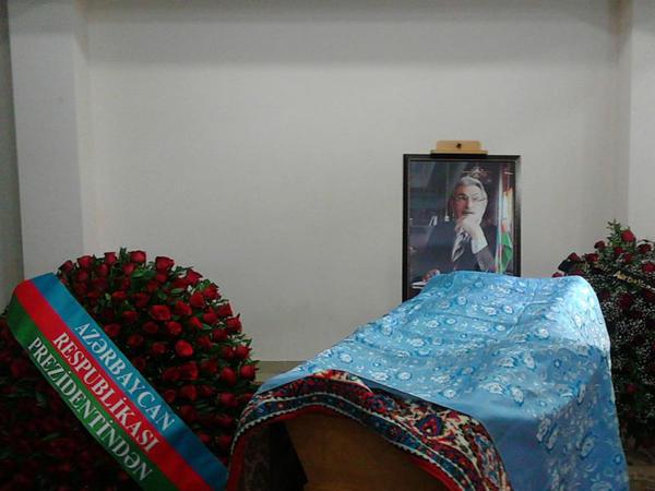 Xalq şairi Söhrab Tahir dəfn edildi - YENİLƏNİB - FOTO