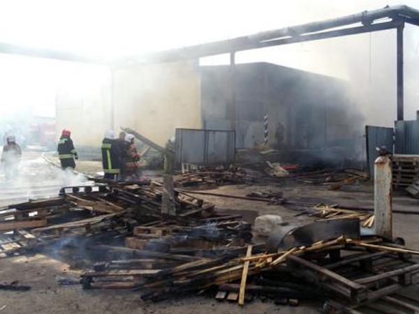 Rusiyada iri tərəvəz bazası yandı, Piriyev qaçdı - FOTOlar