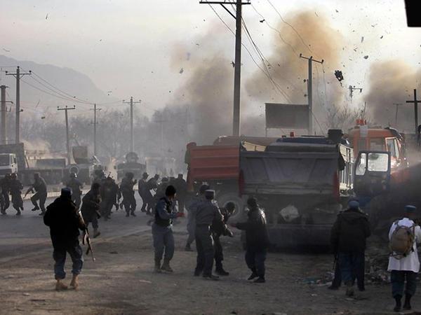 Hakimləri daşıyan avtobus partladıldı: 10 ölü