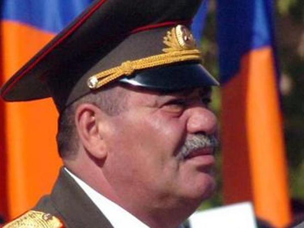 Erməni general Azərbaycanı HƏDƏLƏDİ