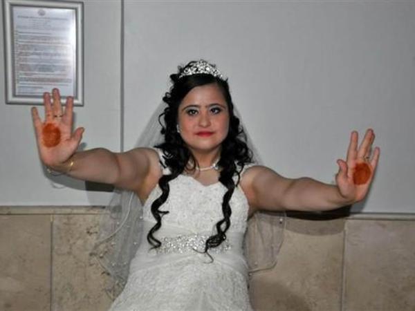 28 yaşlı qıza bəysiz toy etdilər - FOTO