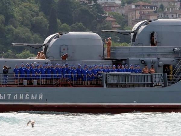 Qadınla dolu rus gəmisi İstanbula gəldi
