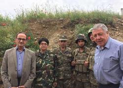 Fransalı deputatlar işğal altındakı Talış kəndinə gediblər - FOTO