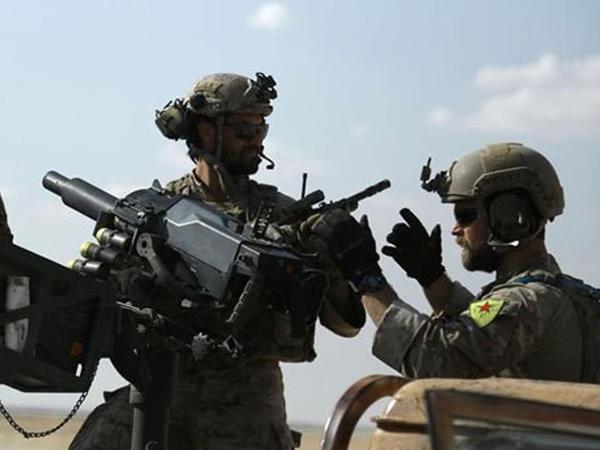 ABŞ əsgərləri kürd uniformasında - FOTO