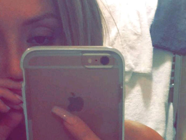 "Serial ulduzu hamamda ""selfie"" çəkib - FOTO"