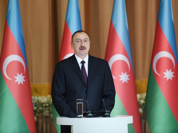 """İlham Əliyev: """"Biz indi regional nəqliyyat mərkəzinə çevrilirik"""""""