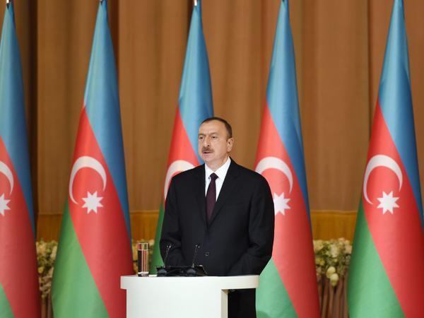 """Prezident İlham Əliyev: """"2016-cı ildən sonra iqtisadi inkişaf daha da sürətli olmalıdır"""""""
