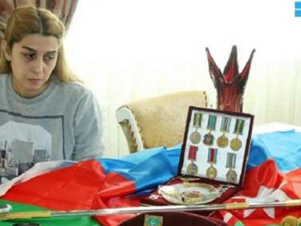 Milli Qəhrəmanın xanımı: ''Oğlum hələ də atasının şəhid olduğunu bilmir''