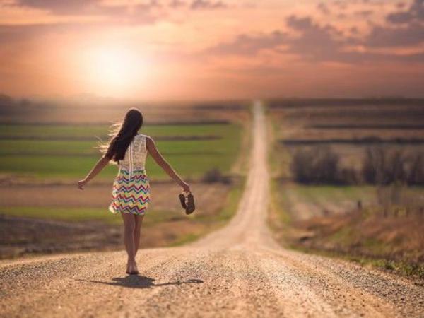 Azərbaycana gələn rusiyalı qız yolda yoxa çıxdı - FOTO