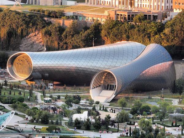 Borular formasında mədəniyyət mərkəzi - FOTO