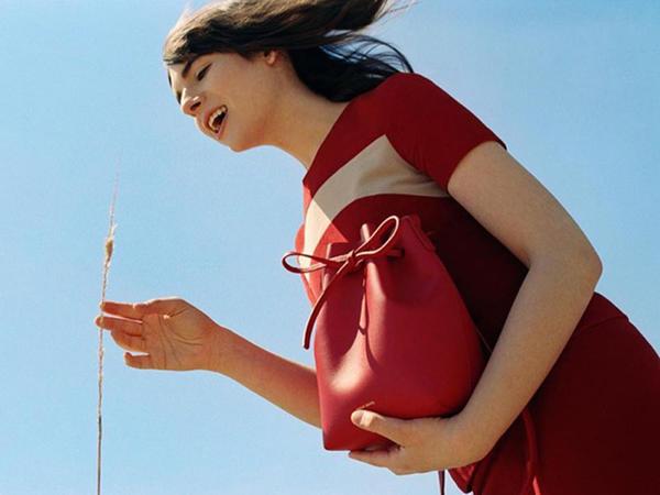 Transgender model  reklam siması oldu - FOTO