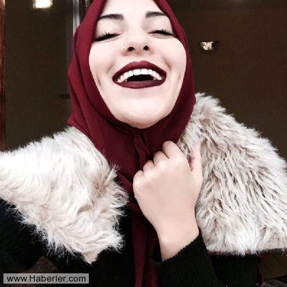 İnstaqramın yeni fenomeni: başı bağlı, həm də döyməli - FOTOlar