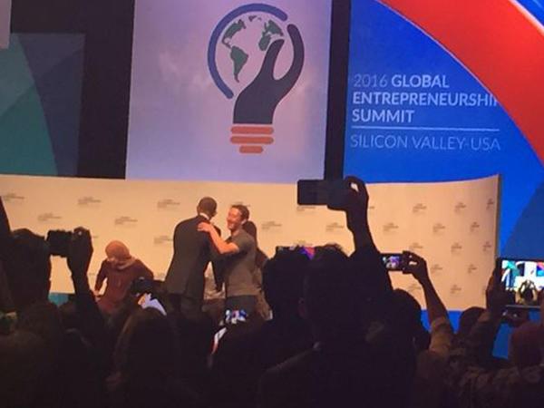 "Zukerberq və Obama: ""Dünya sıxılıb"" - VİDEO - FOTO"