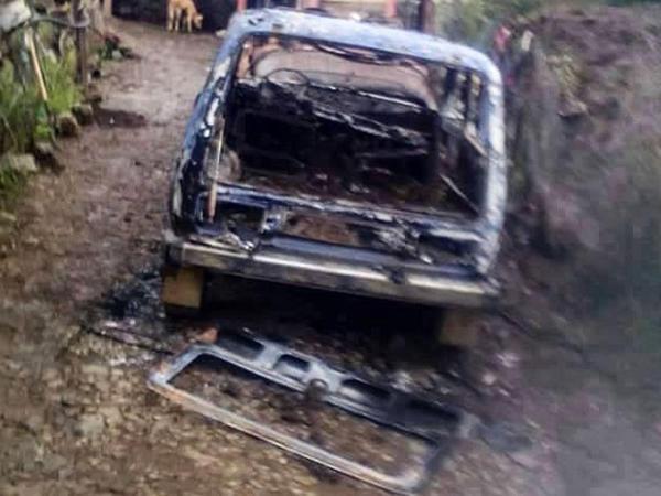 Gədəbəydə ŞOK OLAY: hüquqşünas 6 nəfərin maşınını yandırdı - FOTO
