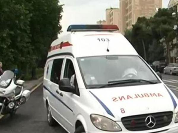 Bakıda iki avtobus toqquşdu: yaralılar var - VİDEO