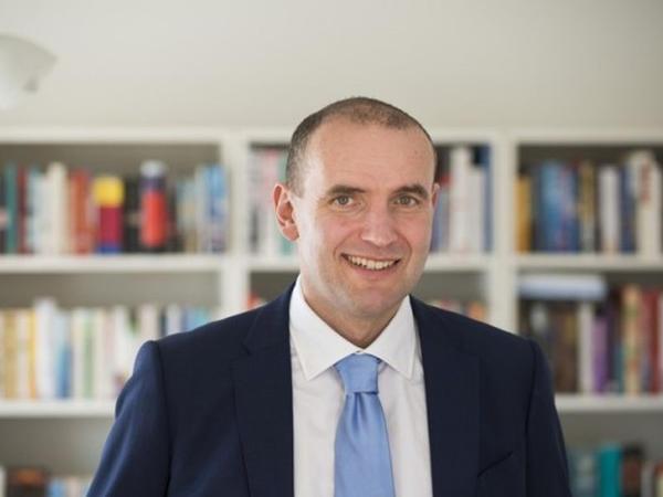 Tarixçi professor prezident seçildi