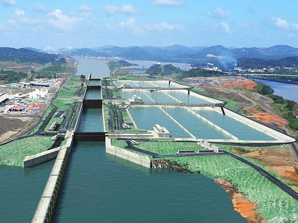 Yeni Panama kanalından ilk gəmi keçdi