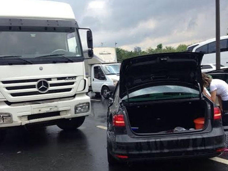 """""""ATV""""nin məşhur aparıcısı qəzaya düşdü - FOTO"""