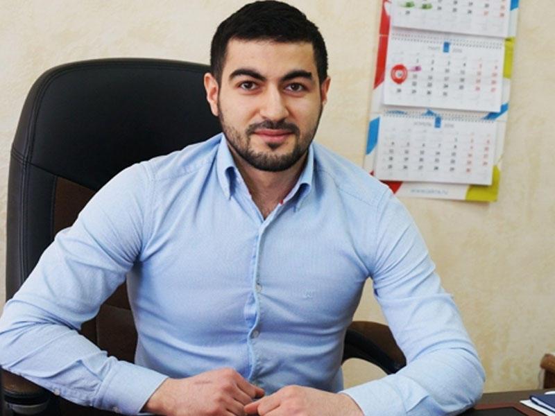 Məşhur azərbaycanlı iş adamının oğlu yol qəzasında öldü