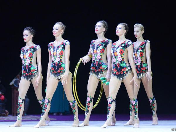 Rusiyalı idmançılar bədii gimnastika üzrə Dünya Kubokunda çoxnövçülük yarışlarının qalibi olub